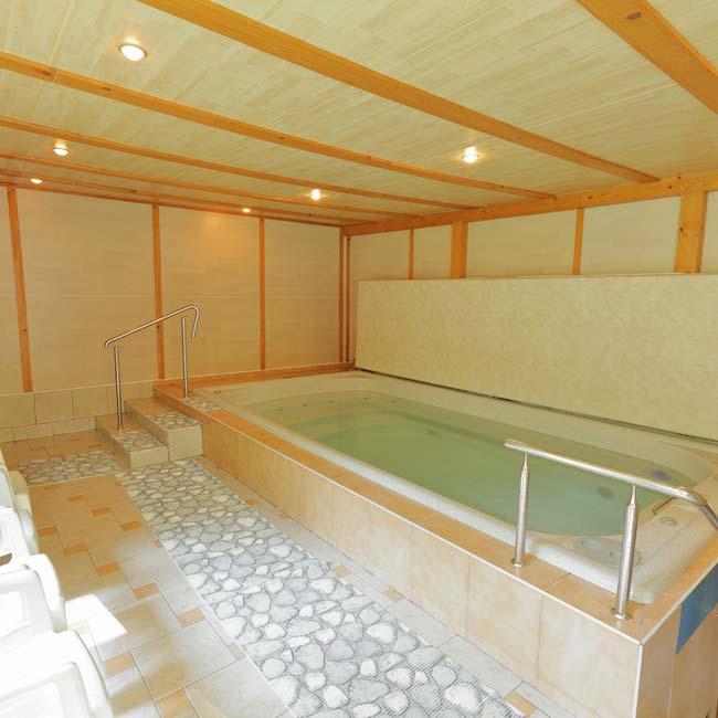 Krytý bazén a sauna – chata Sport Rusava